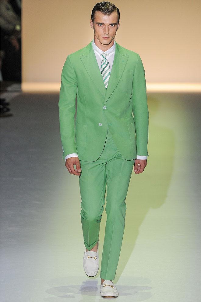 Зеленый мужской костюм фото 5