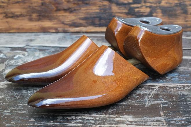 Деревянная колодка для обуви