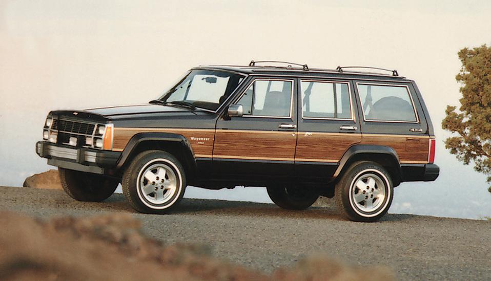 """<p style=""""text-align: center;""""><strong> Jeep Cherokee.</strong>Когда в 1984 году Jeep Cherokee вышел на рынок, мир содрогнулся от осознания того, что внедорожник — это не только автомобиль для езды по пересеченной местности, но и вполне комфортная машина на каждый день. Именно с Cherokee началась эра комфортабельных внедорожников, которая продолжается по сей день.</p> <p><strong></strong></p>"""