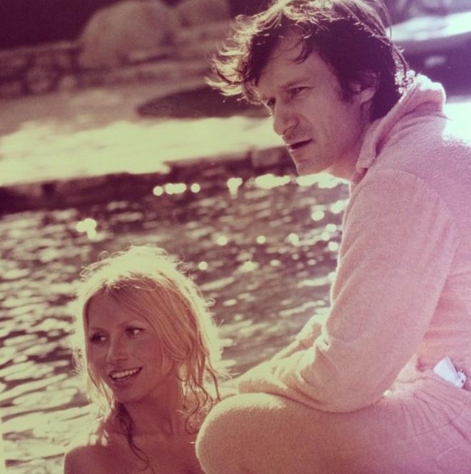 """<p style=""""text-align: center;"""">С моделью Шерон Йонсен в особняке Playboy Mansion.1972.</p>"""