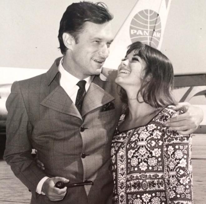 """<p style=""""text-align: center;"""">Хью и одна из первых playmate в истории. 1969.</p>"""