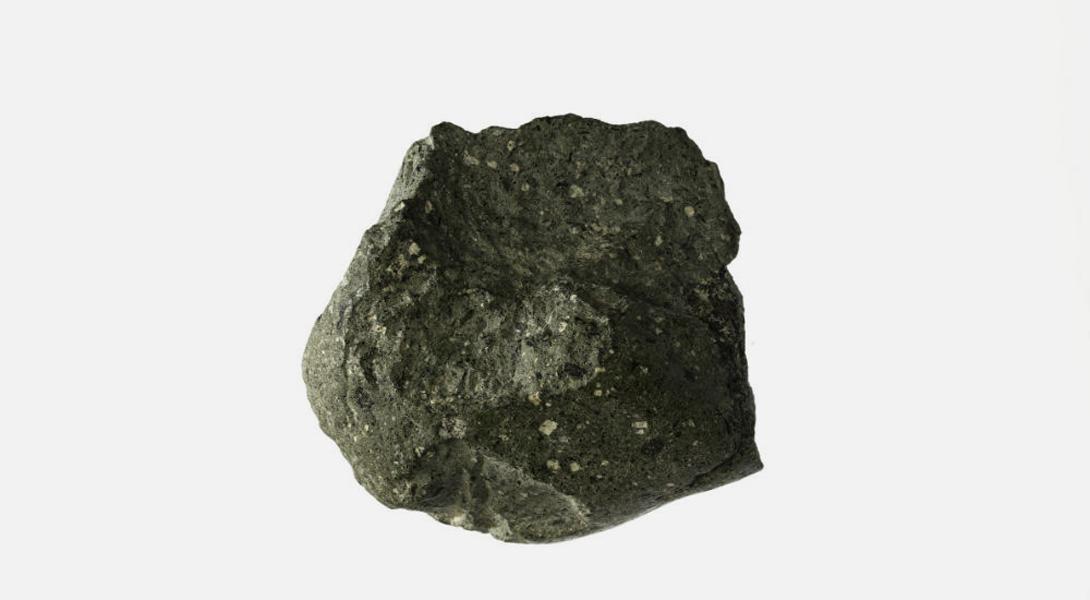 Камень—первый из известных историкам инструментов. Археологические находки показывают, что их использовали еще два миллиона лет назад.