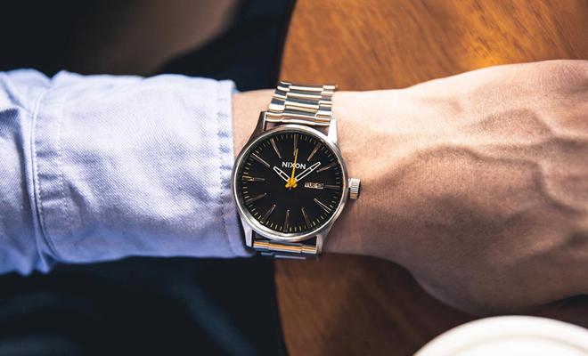 Топ не дорогих наручных часов купить армейские водонепроницаемые часы