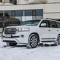 Тест-драйв: Toyota Land Cruiser 200 Executive