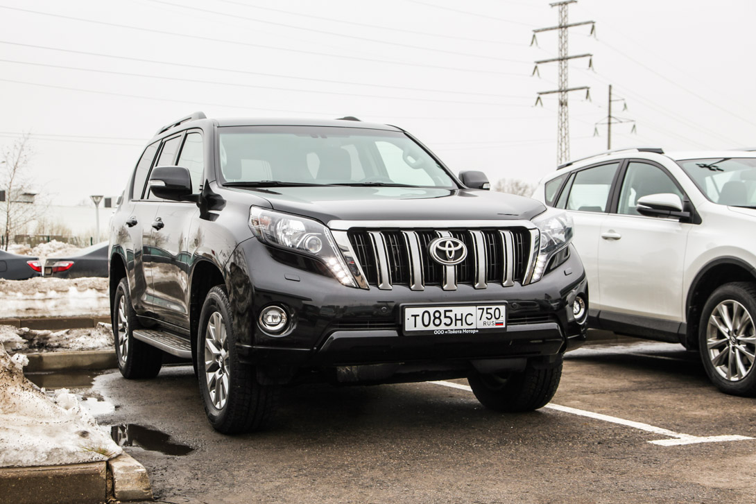 The sound of the engine at idle makes its way into the cabin not to mention the sound of studded tires on asphalt insulation prado in the example would