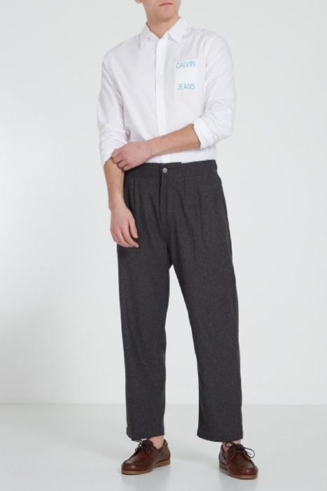 9bae4bb0086 Вечеринка. Брюки Calvin Klein. Простая белая рубашка ...