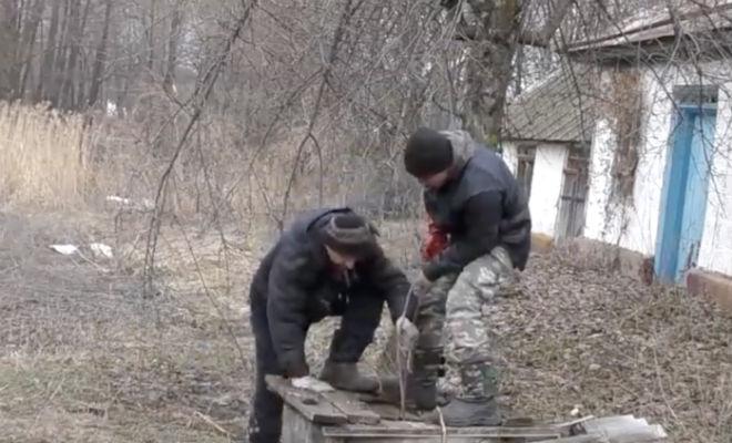Бросили в колодец магнит мощностью 600 килограмм: поиск клада в заброшенной деревне