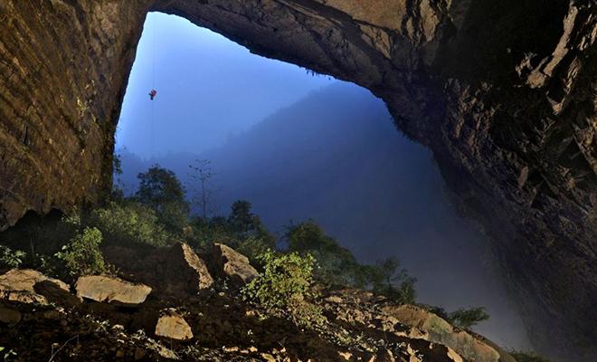 60 лет назад супруги ушли в горы и остались там жить: их пещеру случайно нашли туристы