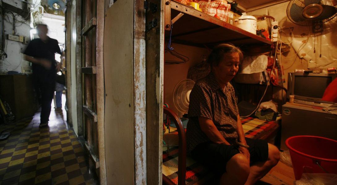 Кроме нарушения санитарных норм, серьезной проблемой для жителей таких «квартир» становятся начальные клопы.