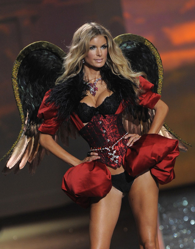 Мариса Миллер, Marisa Miller, Victoria's Secret Fashion Show 2009, Victoria's Secret, ритейл, fashion-бизнес