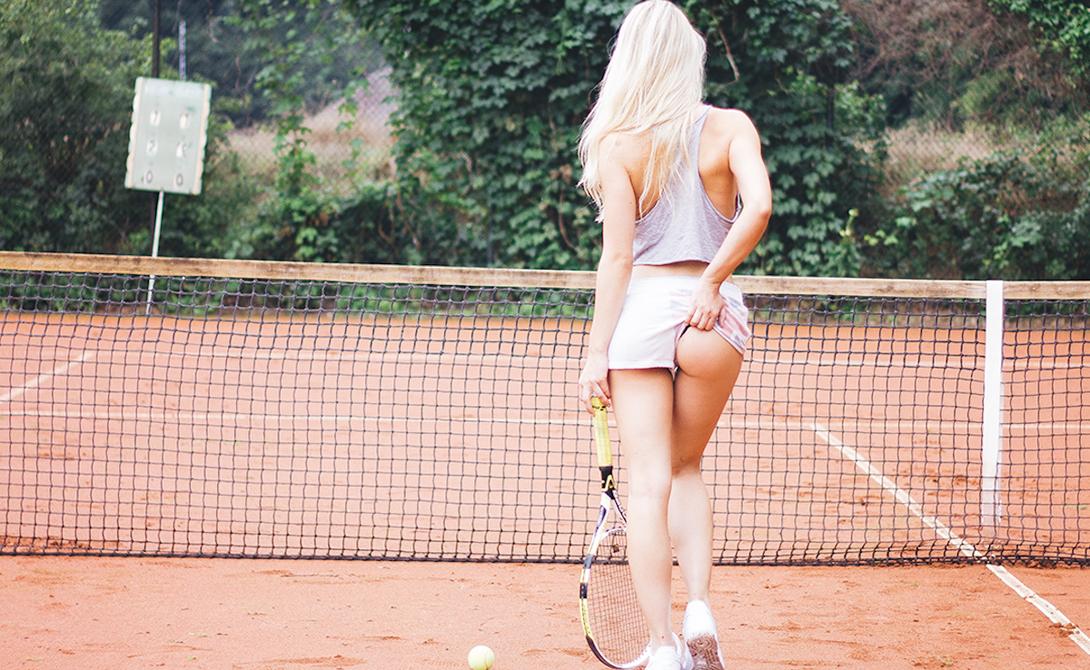 молодая девушка девушка с ракеткой в жопе фото бывал