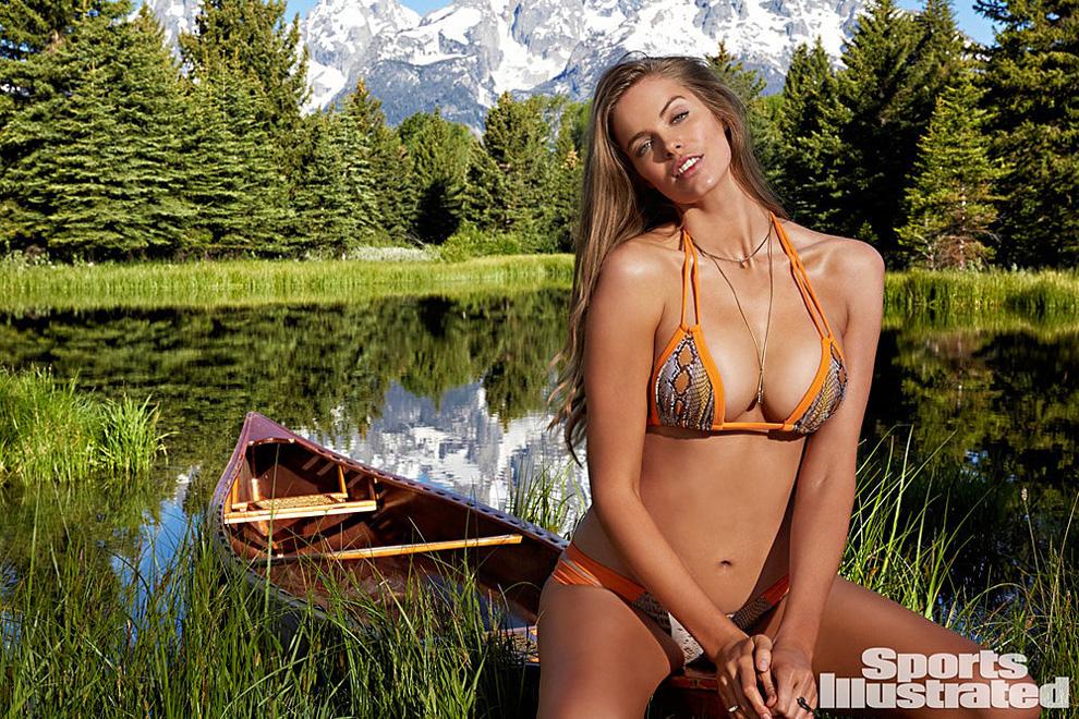 <p>При этом Эшли Грэм— не первая модель plus-size на страницах Sport Illustrated. Первооткрывательницей была <strong>Робин Лоли</strong>, появившаяся там с отдельным фотосетом, а не на рекламном развороте.</p>