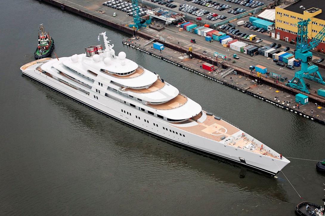 самая огромная яхта в мире фото статье узнаете, почему