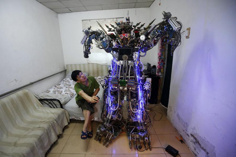 Как сделать из робота подручных средств в 825