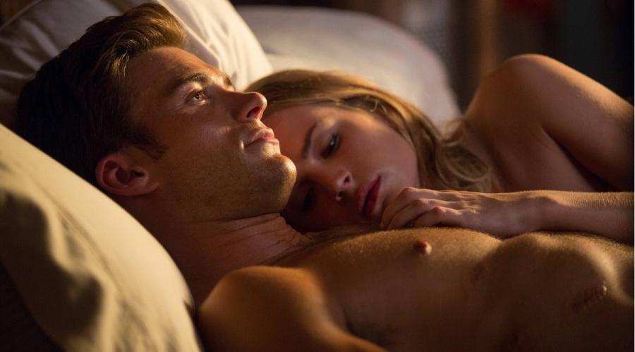 Секс Сцена С Бритт Робертсон – Дальняя Дорога (2020)