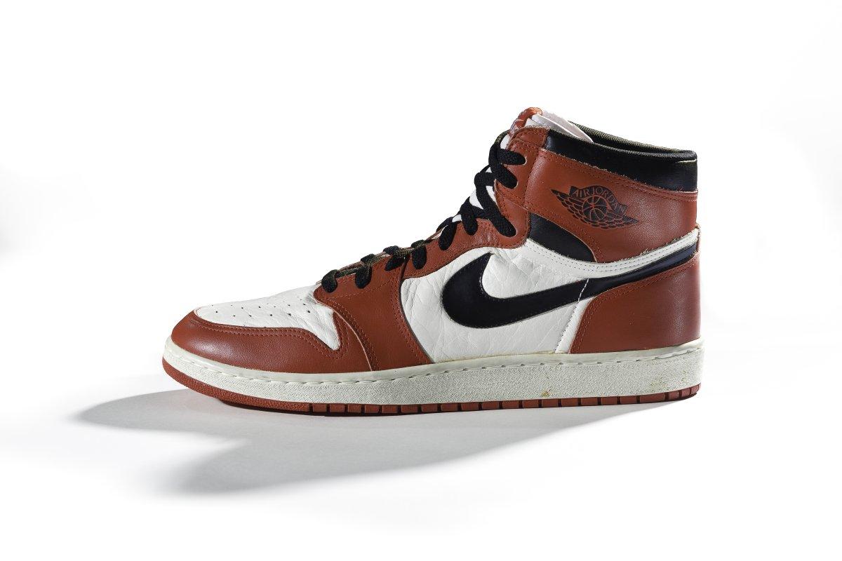 18 самых важных кроссовок в истории  aa3b66bb0b0b7